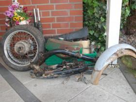 2015 fand ich endlich Zeit das Moped zu zerlegen :-)